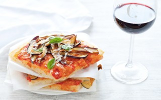 Ricetta pizza con parmigiana di melanzane