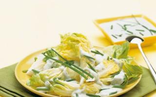 Ricetta insalata di lattuga con vinaigrette al gorgonzola