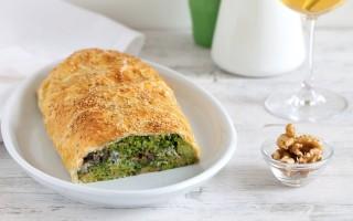 Ricetta strudel salato di broccoli, gorgonzola piccante e noci ...