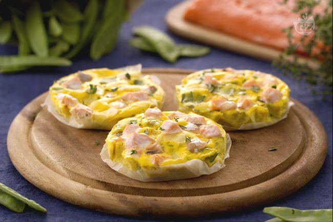 Ricetta frittatine di salmone al timo e taccole