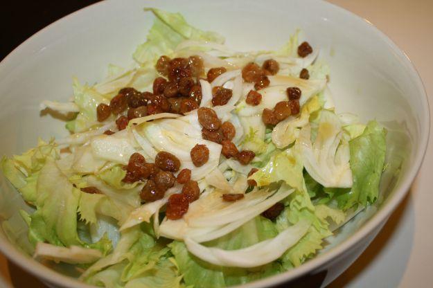 Ricetta insalata con uvetta e finocchi