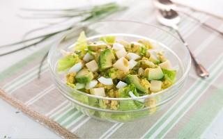Ricetta insalata di lattuga, groviera, uova e avocado