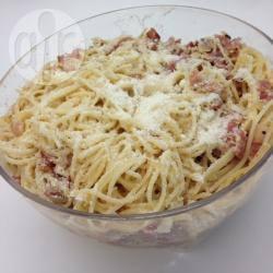 Spaghetti alla carbonara con cipolla