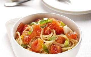 Ricetta spaghetti al pomodoro crudo