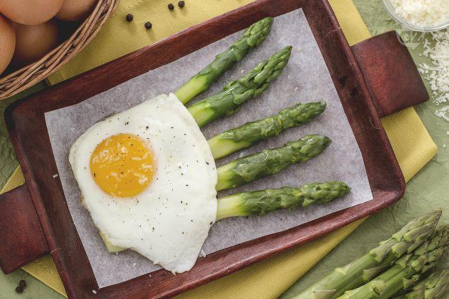 Ricetta asparagi alla milanese