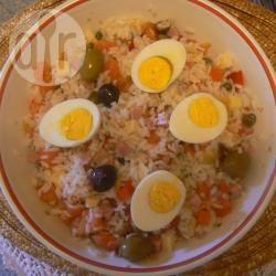 Insalata fresca di riso con dadini di prosciutto cotto e formaggio ...